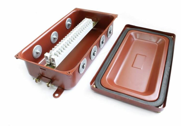 Коробка соединительная КС-20 УХЛ1,5 IP65 металлические заглушки | zeta30329 | ЗЭТАРУС (Завод электротехнической арматуры)